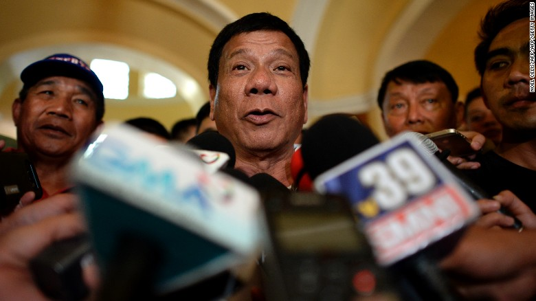 Philippines: Presidential candidate Duterte refuses to apologize for rape 'joke'