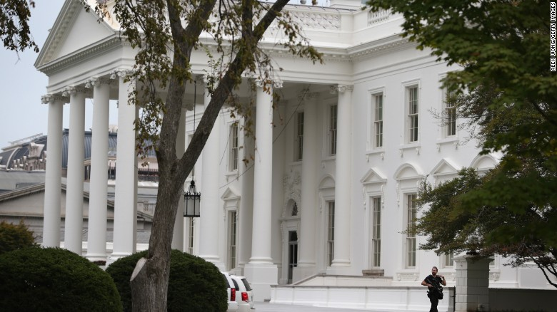 Suspect shot near White House, in custody