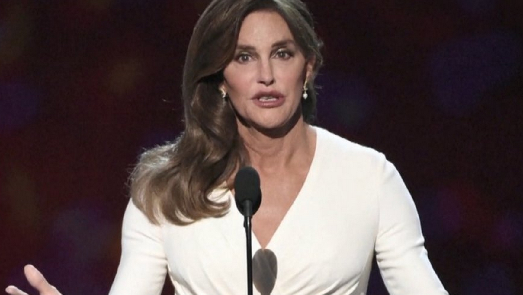 Caitlyn Jenner to pose nude to mark 40th anniversary of Olympic win